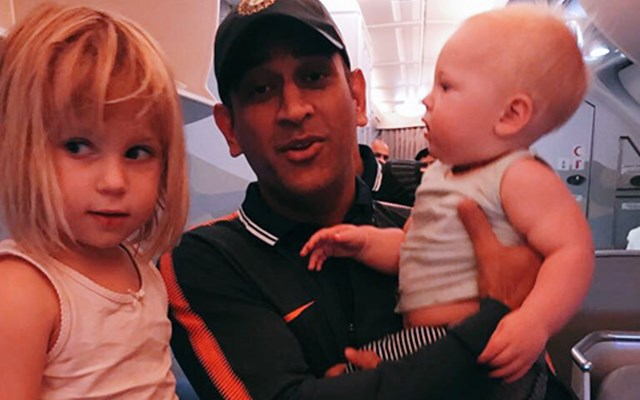 MS Dhoni with Jhonty Rhodes Daughter India and nathan