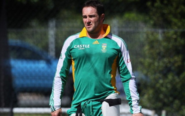 Mark Boucher of South Africa practices