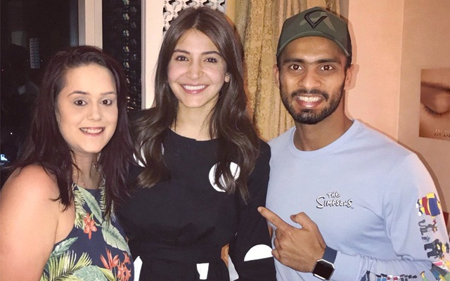 Mandeep Singh & his wife with Anushka Sharma. (Photo Source: Twitter)