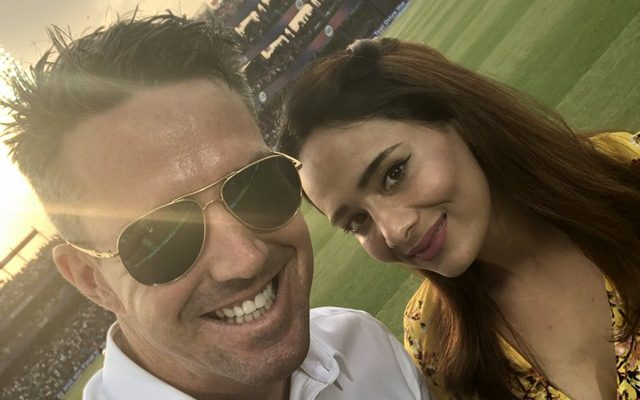 Mayanti Langer and Kevin Pietersen at the end of IPL 2018 league stage. (Photo Source: Twitter)