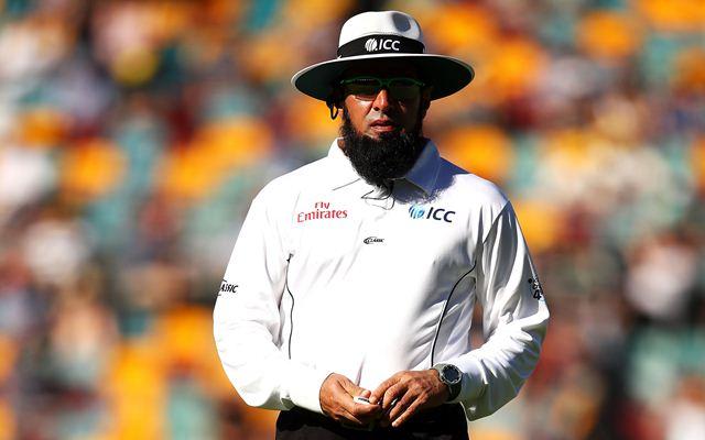 Umpire Aleem Dar. (Photo by Mark Kolbe/Getty Images)
