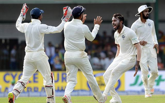 Indian team (Photo by LAKRUWAN WANNIARACHCHI/AFP/Getty Images)