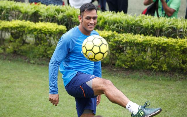 MS Dhoni shows off his football skills. (Photo Source: Twitter)