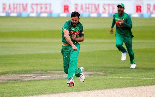 Mashrafe Mortaza of Bangladesh celebrates a wicket. (Photo by Martin Hunter/Getty Images)