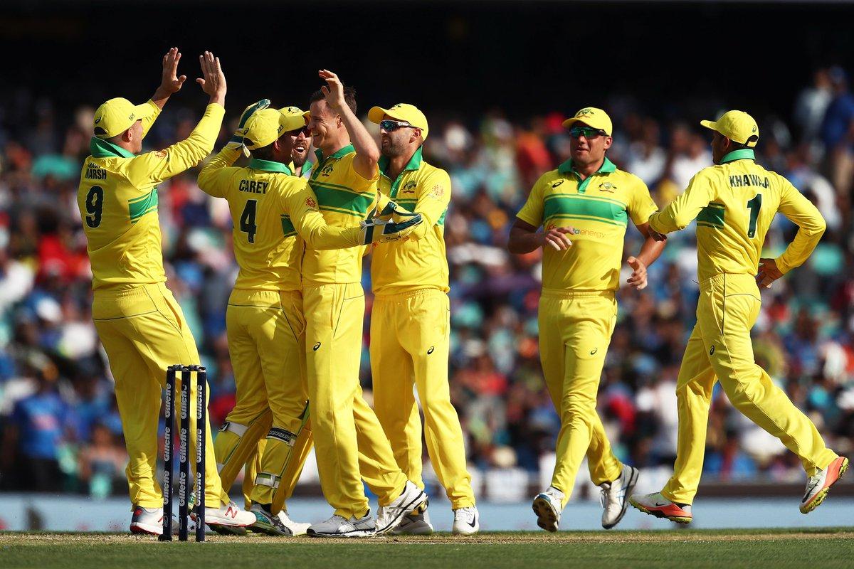 australia team after winning first odi ( image source: twitter)