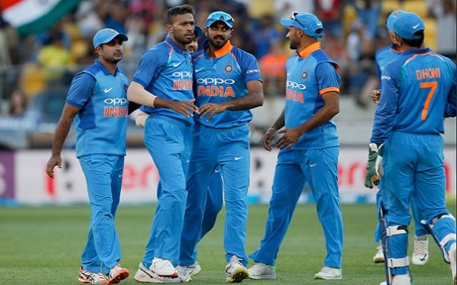 Hardik Pandya with team india (photo by bcci/twitter)