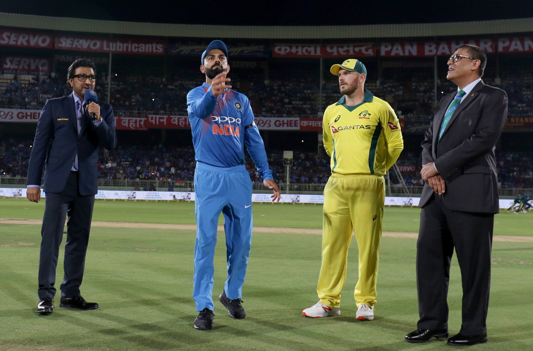 team india and australia ( image source: twitter)