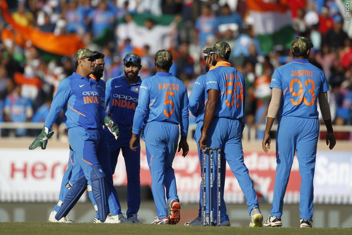 indian team vs australia ( image source: twitter)