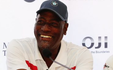 QUEENSTOWN, NEW ZEALAND - MARCH 11: Sir Viv Richards and Ricky Ponting speak to the media during a press conference prior to playing in the New Zealand Open at The Hills on March 11, 2015 in Queenstown, New Zealand (Photo by Hannah Peters/Getty Images)