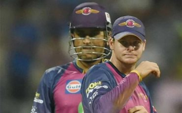 Steve Smith and MS Dhoni. (Photo Source: Twitter)