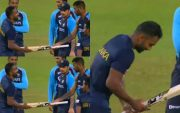 Hardik Pandya giving Chamika Karunaratne a spare bat. (Photo Source: Twitter)