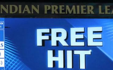 Free Hit signal. (Photo Source: BCCI/IPL)